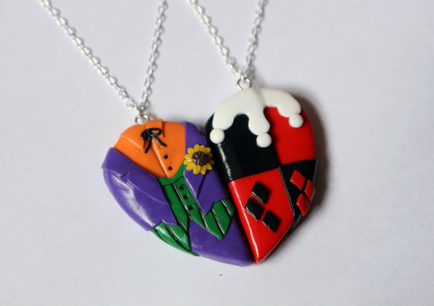 10 romantic gifts for every harley quinn and joker for Harley quinn and joker jewelry